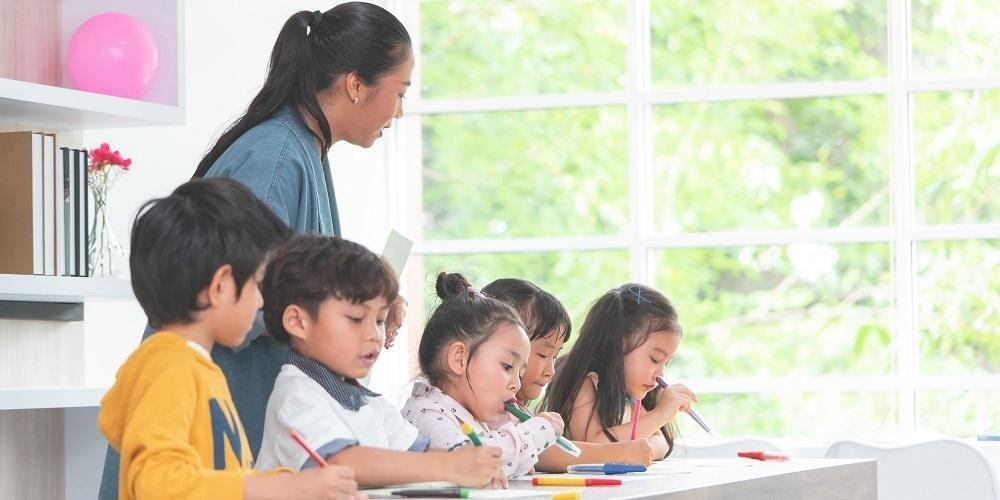 6-tanda-si-kecil-siap-sekolah-bukan-usia-anak-masuk-paud-1584900942.jpg