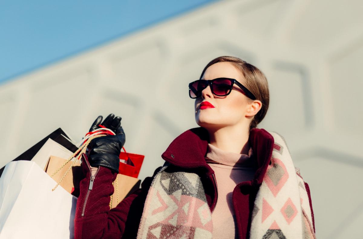 Tips-Berpakaian-Wanita-agar-Lebih-Cantikkk-1200x791.png