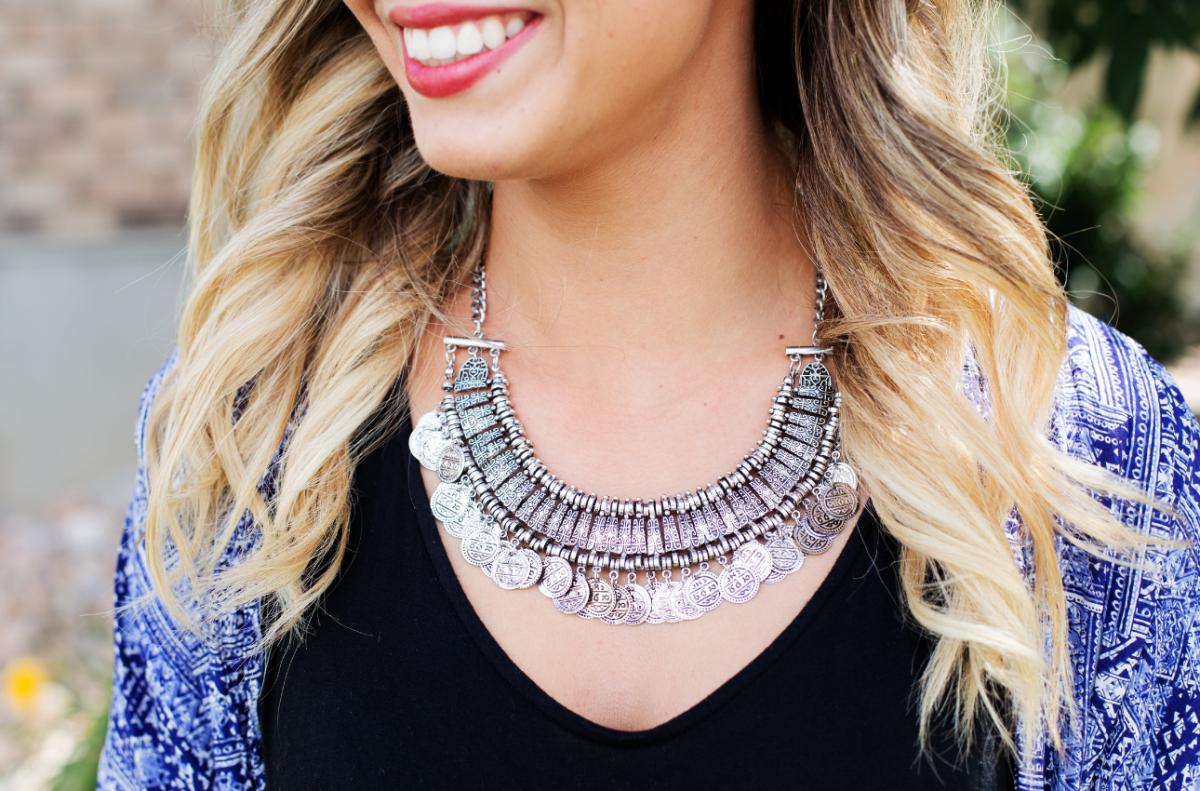 Tips-Memilih-Perhiasan-Untuk-Wanita-1-1200x791.png